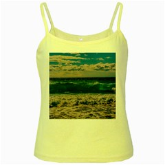 Wave Foam Spray Sea Water Nature Yellow Spaghetti Tank