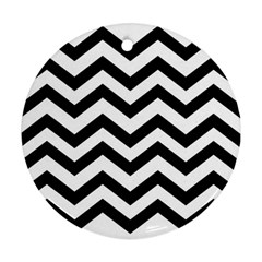 Black And White Chevron Round Ornament (Two Sides)