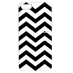 Black And White Chevron Apple iPhone 5 Hardshell Case with Stand