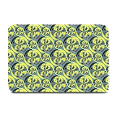 Black And Yellow Pattern Plate Mats by linceazul
