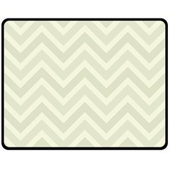 Zigzag  Pattern Fleece Blanket (medium)