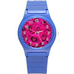 Pink Roses Roses Background Round Plastic Sport Watch (s)