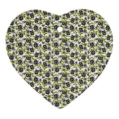 Roses Pattern Ornament (heart)