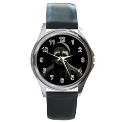 Gangsta Raccoon  Round Metal Watch