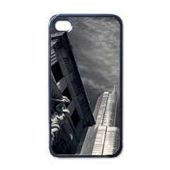 Chicago Skyline Tall Buildings Apple Iphone 4 Case (black)