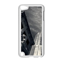 Chicago Skyline Tall Buildings Apple Ipod Touch 5 Case (white)