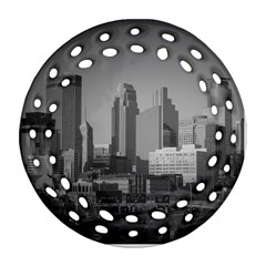 Minneapolis Minnesota Skyline Round Filigree Ornament (two Sides)