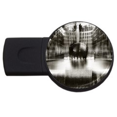 Black And White Hdr Spreebogen Usb Flash Drive Round (4 Gb)