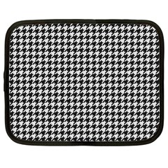 Friendly Houndstooth Pattern,black And White Netbook Case (xl)