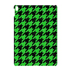 Houndstooth1 Black Marble & Green Colored Pencil Apple Ipad Pro 10 5   Hardshell Case by trendistuff