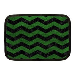 CHEVRON3 BLACK MARBLE & GREEN LEATHER Netbook Case (Medium)