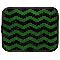 CHEVRON3 BLACK MARBLE & GREEN LEATHER Netbook Case (Large)