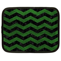 CHEVRON3 BLACK MARBLE & GREEN LEATHER Netbook Case (XL)