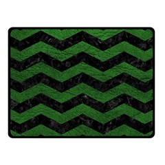 CHEVRON3 BLACK MARBLE & GREEN LEATHER Fleece Blanket (Small)