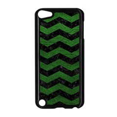CHEVRON3 BLACK MARBLE & GREEN LEATHER Apple iPod Touch 5 Case (Black)