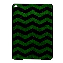 CHEVRON3 BLACK MARBLE & GREEN LEATHER iPad Air 2 Hardshell Cases