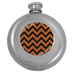CHEVRON9 BLACK MARBLE & RUSTED METAL Round Hip Flask (5 oz) Front