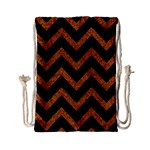 CHEVRON9 BLACK MARBLE & RUSTED METAL (R) Drawstring Bag (Small) Front