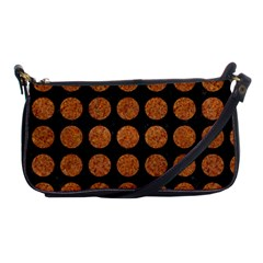 CIRCLES1 BLACK MARBLE & RUSTED METAL (R) Shoulder Clutch Bags