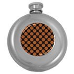 CIRCLES2 BLACK MARBLE & RUSTED METAL (R) Round Hip Flask (5 oz) Front