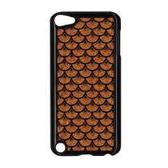 SCALES3 BLACK MARBLE & RUSTED METAL Apple iPod Touch 5 Case (Black)