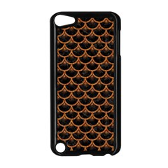 SCALES3 BLACK MARBLE & RUSTED METAL (R) Apple iPod Touch 5 Case (Black)