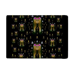 Queen In The Darkest Of Nights Ipad Mini 2 Flip Cases by pepitasart