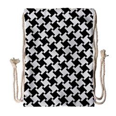 Houndstooth2 Black Marble & White Linen Drawstring Bag (large) by trendistuff