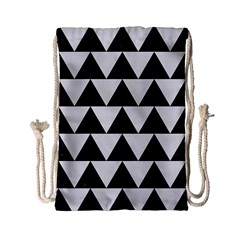 TRIANGLE2 BLACK MARBLE & WHITE LINEN Drawstring Bag (Small)