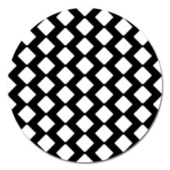 Abstract Tile Pattern Black White Triangle Plaid Magnet 5  (round)