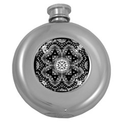 Mandala Calming Coloring Page Round Hip Flask (5 Oz)