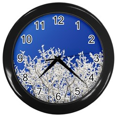 Crown Aesthetic Branches Hoarfrost Wall Clocks (black)
