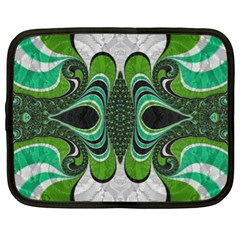 Fractal Art Green Pattern Design Netbook Case (xl)