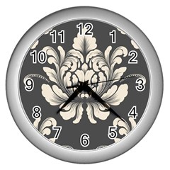 Vintage And Retro Wall Clocks (silver)