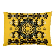 Ornate Circulate Is Festive In A Flower Wreath Decorative Pillow Case