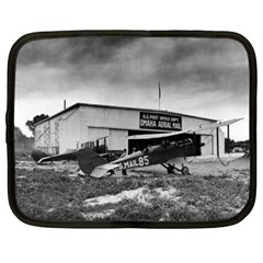 Omaha Airfield Airplain Hangar Netbook Case (xl)
