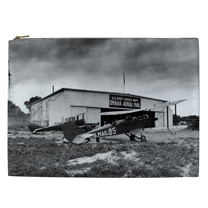 Omaha Airfield Airplain Hangar Cosmetic Bag (XXL)