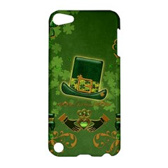 Happy St  Patrick s Day With Clover Apple Ipod Touch 5 Hardshell Case by FantasyWorld7