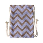 CHEVRON9 WHITE MARBLE & SAND (R) Drawstring Bag (Small) Front
