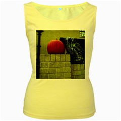 Pumpkins 10 Women s Yellow Tank Top
