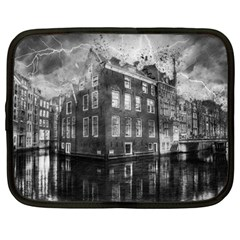 Reflection Canal Water Street Netbook Case (large)