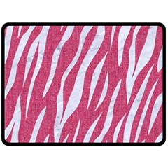 SKIN3 WHITE MARBLE & PINK DENIM Fleece Blanket (Large)