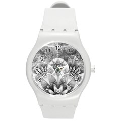 Black And White Fanned Feathers In Halftone Dots Round Plastic Sport Watch (m) by jayaprime