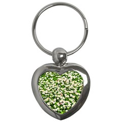 Green Field Of White Daisy Flowers Key Chains (heart)  by FunnyCow