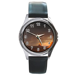 Desert Lighting Strom Flash Round Metal Watch