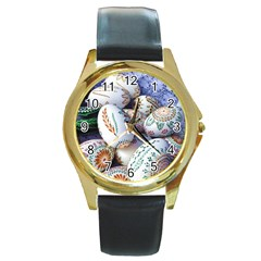 Model Color Traditional Round Gold Metal Watch by Nexatart