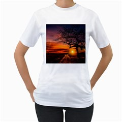 Lonely Tree Sunset Wallpaper Women s T Shirt (white) (two Sided)