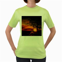 Lonely Tree Sunset Wallpaper Women s Green T Shirt