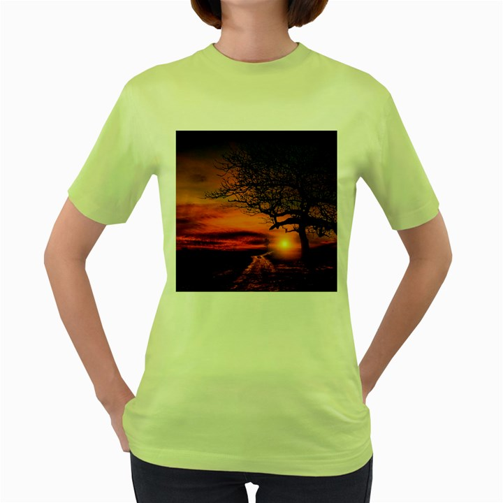 Lonely Tree Sunset Wallpaper Women s Green T-Shirt