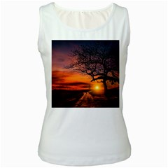 Lonely Tree Sunset Wallpaper Women s White Tank Top
